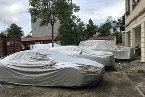 Thông tin bất ngờ vụ 4 siêu xe bỏ rơi bên đường ở Bắc Kạn