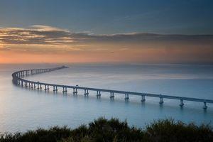 Chiêm ngưỡng quy mô khổng lồ của cây cầu vượt biển dài nhất thế giới ở Trung Quốc