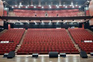 Nhà hát gần 800 tỷ vắng lặng như tờ ở Vĩnh Phúc