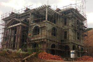 Công trình 'khủng' không phép 'mọc' giữa Khu Kinh tế Nghi Sơn