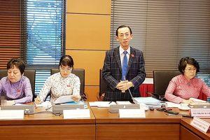 ĐBQH đề nghị sớm hình thành 2 trung tâm tài chính tại Hà Nội và TPHCM