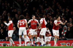 Lội ngược dòng hạ Leicester, Arsenal có trận thắng thứ 10 liên tiếp