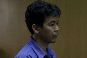 Gã trai bất ngờ lao đến bịt miệng, dùng dao đâm chết vợ cũ
