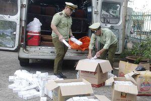 Đắk Lắk: Thu giữ 2.500 bao thuốc lậu trên xe qua Quốc lộ 14