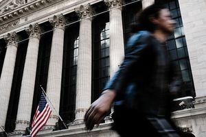 Nhà đầu tư lo lắng, chứng khoán Mỹ giảm điểm
