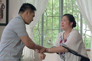 'Gạo nếp gạo tẻ' tập 73: Bà Mai khóc hết nước mắt tha thiết cầu xin Kiệt đừng ly hôn Hân