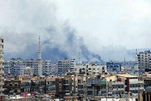 Liên minh do Mỹ dẫn đầu tiếp tục tấn công vào cứ điểm của IS