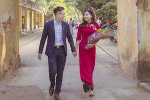 Nữ sinh trường ĐH Luật được bạn trai cầu hôn đúng ngày chụp kỷ yếu khiến cả trường 'nổi cơn ghen'