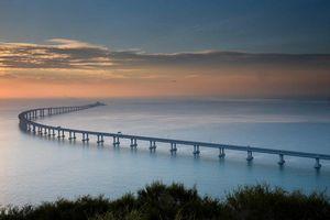 Cận cảnh cây cầu vượt biển dài nhất thế giới, trị giá 20 tỷ USD