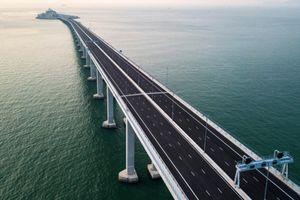 Trung Quốc khánh thành cầu vượt biển dài nhất thế giới: Kẻ mừng, người lo