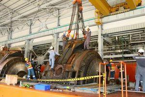 Khích lệ tinh thần đơn vị thực hiện đại tu tổ máy S2 - Nhà máy Nhiệt điện Vĩnh Tân 2