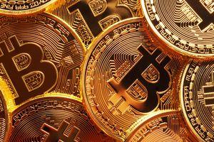 Bitcoin giảm nhẹ, Tether vẫn khốn đốn