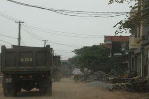 Quảng Ninh: Xe tắt đường Quảng Yên tránh trạm thu phí Đại Yên
