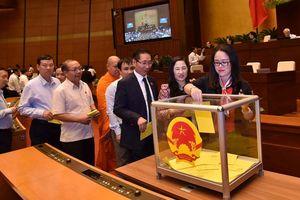 Quốc hội bỏ phiếu bầu Tổng Bí thư Nguyễn Phú Trọng làm Chủ tịch nước