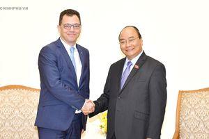 Thủ tướng tiếp Bộ trưởng Bộ Môi trường kinh doanh Thương mại và Doanh nghiệp Romania