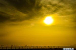 Trung Quốc: Sự trỗi dậy trong sản xuất năng lượng tái tạo ở Tân Cương