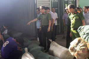 Biểu dương vụ bắt giữ vận chuyển ngà voi và vảy tê tê ở Đà Nẵng