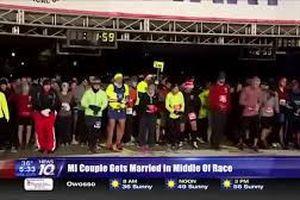 Chạy marathon nửa đường thì dừng lại… cưới nhau