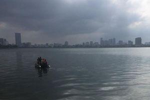 Hà Nội: Tìm thấy thi thể người đàn ông mất tích khi mò trai ở Hồ Tây