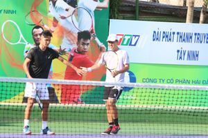 Điểm 10 cho tinh thần fair-play của 2 tay vợt Việt Nam