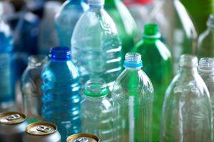 Phát hiện hạt nhựa nhỏ lẫn trong phân người ở nhiều nơi trên thế giới