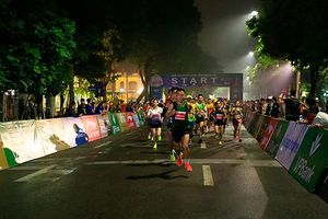 Giải marathon Quốc tế Di sản HN: Những người không chạy qua vạch đích