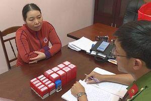 Bắt nữ quái chuyên làm giả hồ sơ mua bán xe máy ở Đắk Lắk