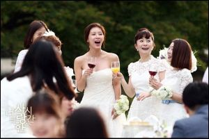 Những chiếc váy cưới trên drama đình đám xứ Hàn khiến chị em phát cuồng