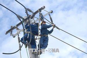 Niềm vui 'xóa mù' điện lưới quốc gia