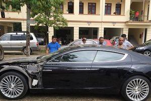 Siêu xe bị 'bỏ quên' bên đường: Chuyện lạ ở Việt Nam