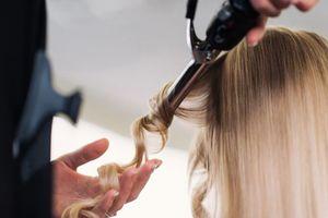Thói quen xấu rất nhiều người mắc khiến tóc ngày càng mỏng đi