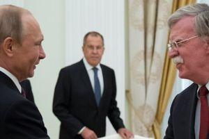 'Diều hâu nước Mỹ' chuyển thông điệp cứng rắn tới Tổng thống Putin