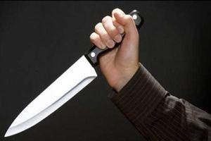 Hẹn 'xử' nhau sau giờ học, một nữ sinh bị đâm liên tiếp