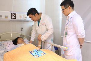 Liên khoa cứu thai phụ vỡ túi phình động mạch não nguy hiểm