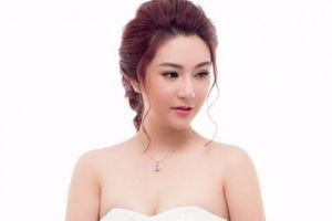 Người đẹp Dạ Ly qua đời ở tuổi 25 do ung thư buồng trứng