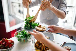 Những mẹo ăn uống lành mạnh giúp bạn khỏe suốt đời
