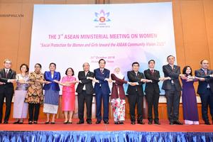 Thủ tướng đặt câu hỏi về tầm nhìn ASEAN nếu 'phụ nữ bị bỏ lại phía sau'