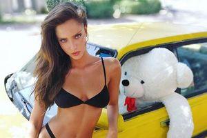 Người mẫu Israel khoe dáng tuyệt mỹ với áo tắm