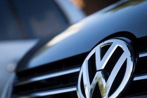 'Ông lớn' Volkswagen chìm sâu trong bê bối khí thải
