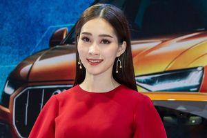 Hoa hậu Đặng Thu Thảo tái xuất sau khi sinh con, diện váy đỏ rực rỡ như nữ thần