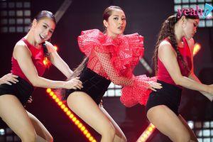 Đáp lại tình cảm khán giả, Bảo Anh trình diễn trọn vẹn vũ đạo 'gây nghiện' trong phiên bản Dance của 'Như lời đồn'
