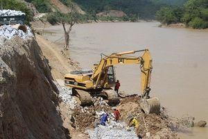 Nghệ An: Khẩn trương khắc phục sạt lở trên Quốc lộ 7A