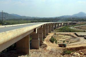 Dồn lực thông xe đường Hồ Chí Minh đoạn La Sơn – Túy Loan cuối năm 2018