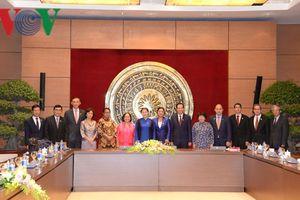 Chủ tịch Quốc hội tiếp xã giao các Trưởng đoàn tham dự Hội nghị AMMW