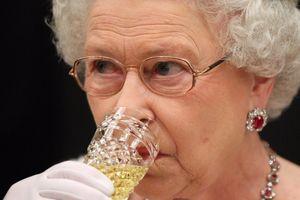 Nữ hoàng Anh ăn gì mỗi ngày?