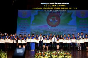 Biểu dương 125 thanh niên tiên Đoàn khối CCQ các tỉnh, thành phía Bắc