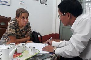 Cô gái Nga đã chịu rời bệnh viện Phú Quốc, đi in giấy mong được 'giúp đỡ'