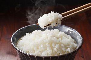 Nấu cơm với dầu dừa, ăn thoải mái vẫn không lo bị béo