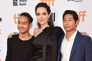 Pax Thiên-con trai gốc Việt của Angelina Jolie chững chạc ở tuổi 15