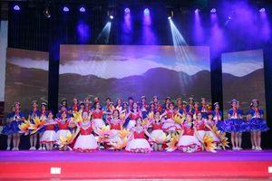 Học sinh quận Cầu Giấy, Hà Nội tưng bừng trong chung kết 'Giai điệu tuổi hồng'